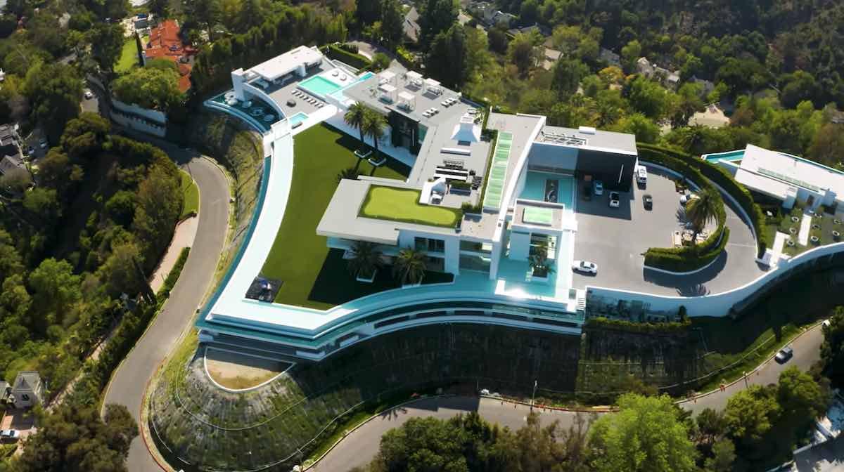 Nadie quería pagar $500 millones por esta mega mansión, ahora está en ejecución hipotecaria
