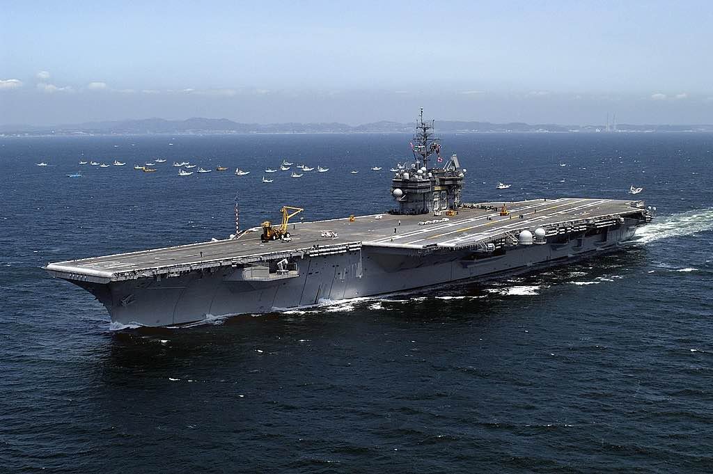 portaaviones USS Kitty Hawk