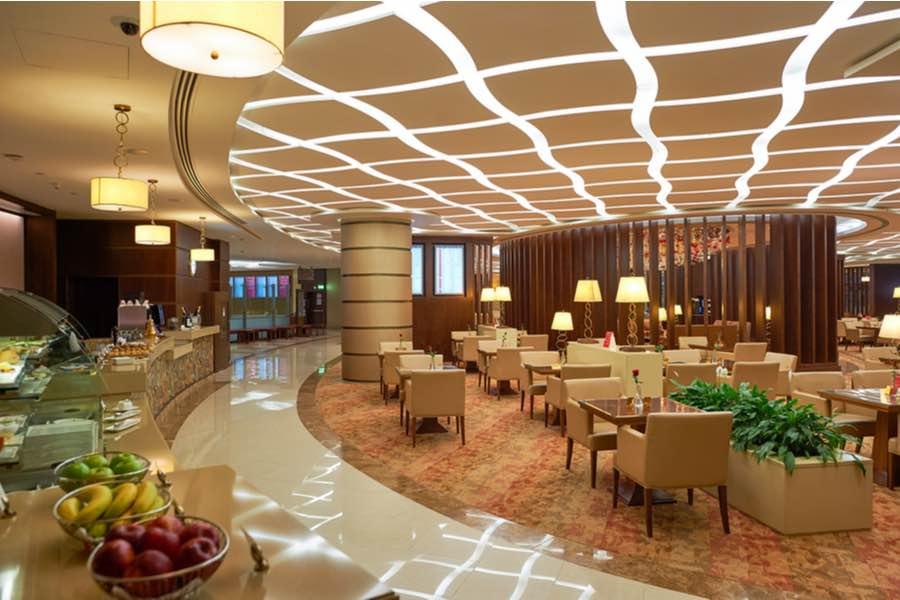 Interior de la sala VIP de primera clase de Emirates