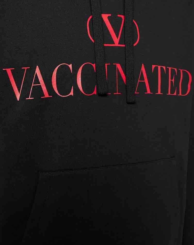 Sudadera con capucha Valentino de $750
