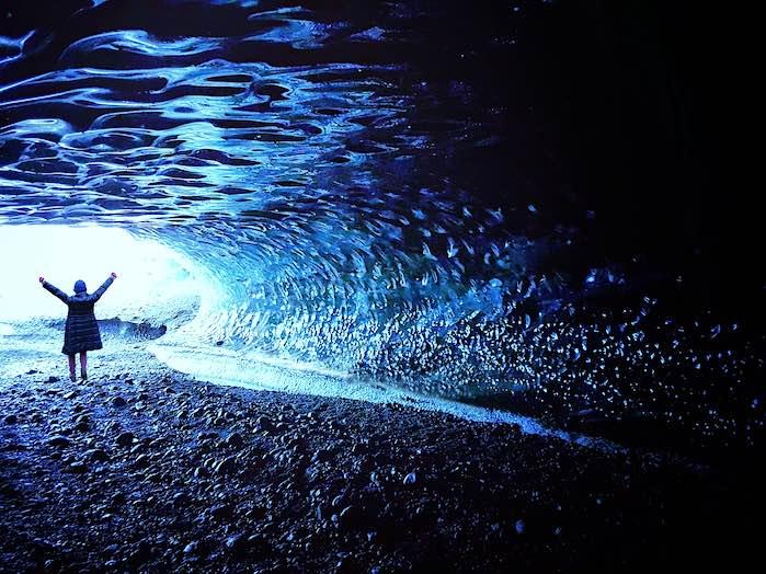 Cueva de hielo en Skaftafell: Uno d los 50 lugares más hermosos del mundo que debes visitar antes de morir.