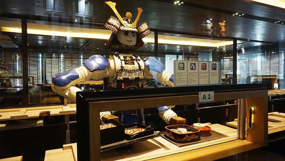 Hajime Robot Restaurant, el #12 de los restaurantes más inusuales en el mundo.