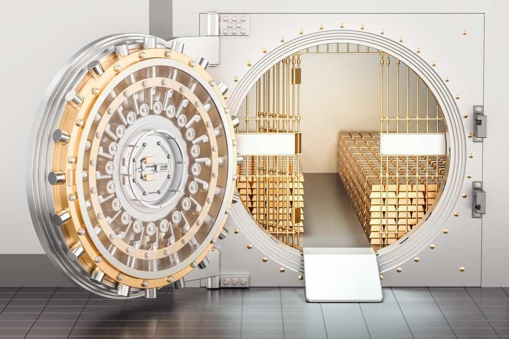 Bóveda de banco con lingotes de oro