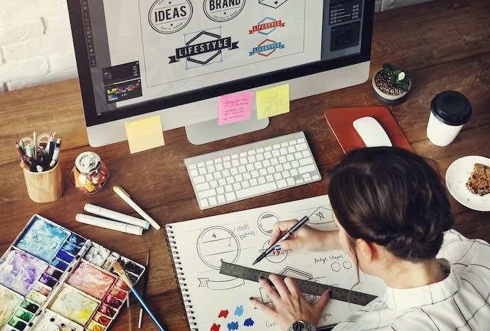 Estudio de diseño de dibujo. Diseño gráfico.