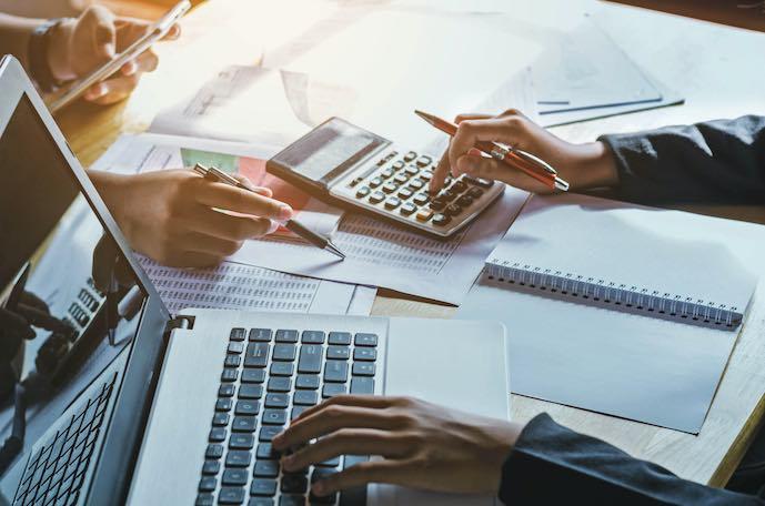 Mujer de negocios, concepto de contabilidad, financiero, oficina.
