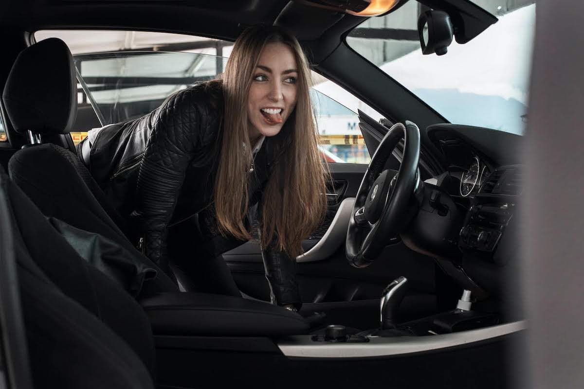 ?La Mujer W?, arriesgada, enérgica, auténtica, visionaria. Ella es Nathalia Saldaña, la influencer de coches de lujo que conquistó a Latinoamérica