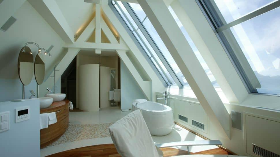 Relajarse en la exclusividad del lujo moderno de la Riviera Suiza